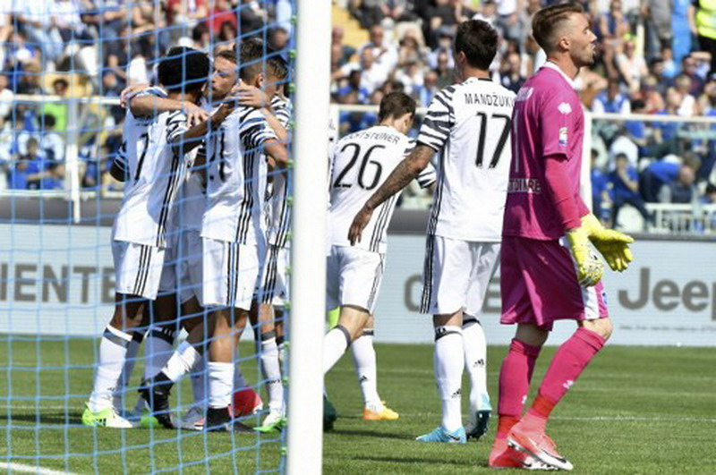 Juventus berada di puncak klasemen Liga Italia. (Foto: AFP/Andrea Solaro)