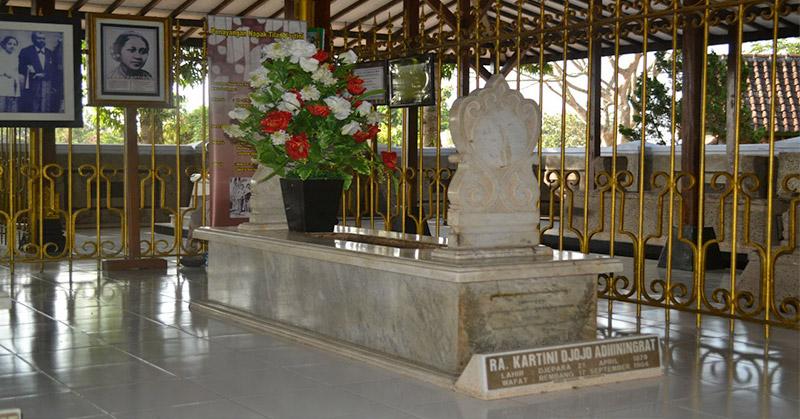 Wisata Rembang, dari Makam RA Kartini hingga Menelusuri Kota Bersejarah