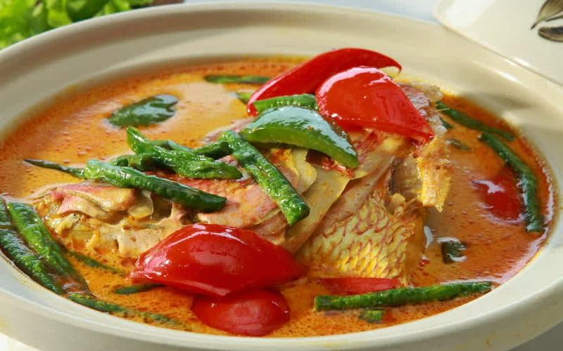 RESEP NENEK: Rekomendasi Resep Gulai Kepala Ikan Daun Melinjo Khas Padang