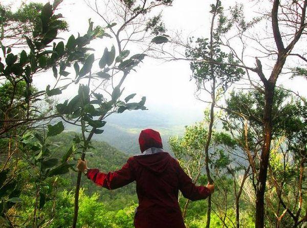 Ke Pulau Bangka, Belum Sah Kalau Tak ke Gunung Maras
