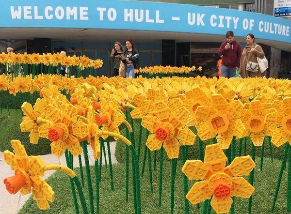 Musim Semi, Inggris Hadirkan Taman Bunga Lego