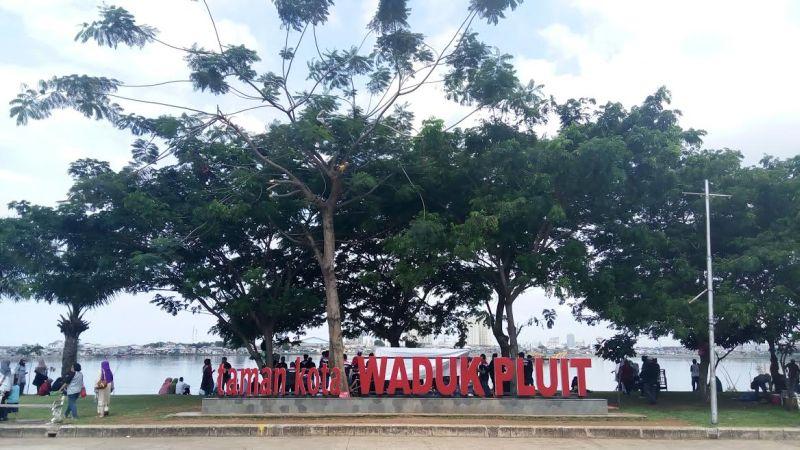 Serunya Berwisata Santai di Taman Kota Waduk Pluit