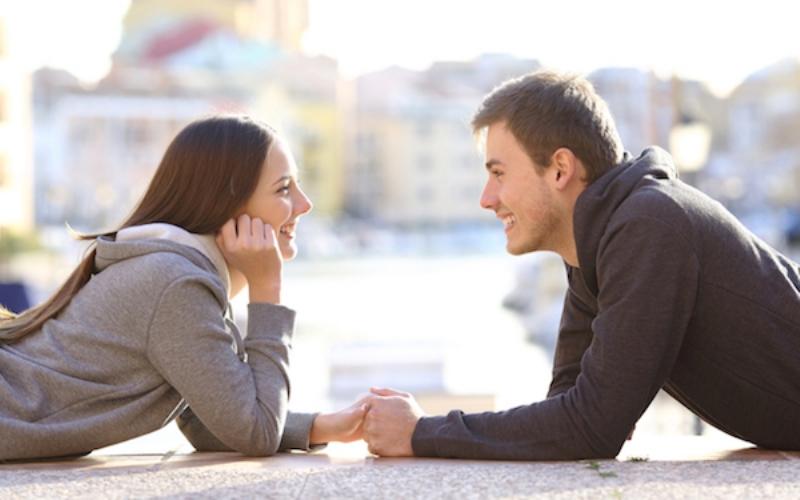 Cek di Sini! Anda Jatuh Cinta Sungguhan atau Hanya Nafsu?