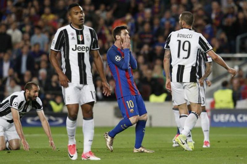 Messi gagal tembus gawang Juventus. (Foto: AFP/Pau Barrena)
