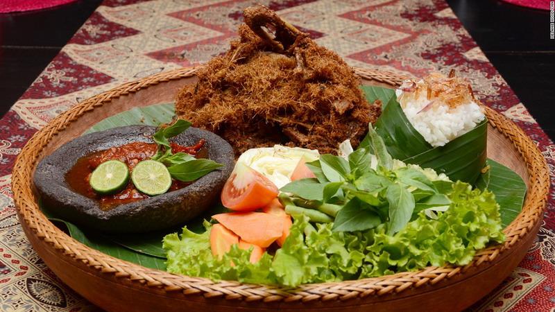 SELAMAT HARI KARTINI: Ada Sosok Kartini Modern Dibalik Perjuangan Melestarikan Kuliner Tradisional