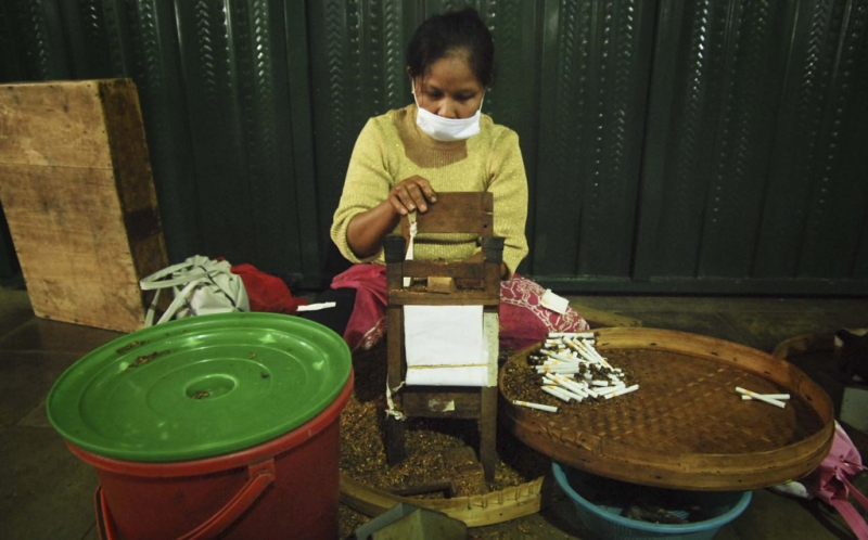\BUSINESS HITS: Harga Minimal Tembakau Naik Jadi Rp34.000 \