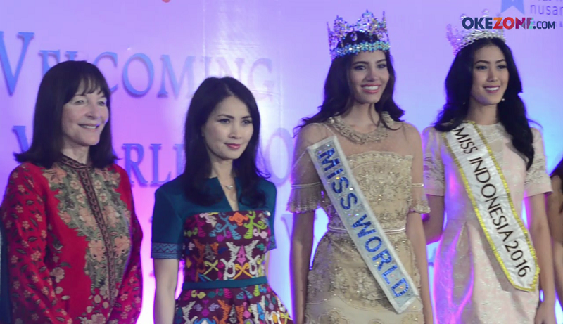 MISS INDONESIA 2017: Liliana Tanoesoedijo Sambut Kedatangan Miss World 2016 dan CEO Miss World