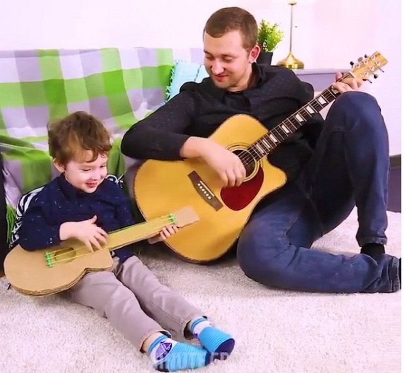 Para Ayah, Yuk Ajak Anak Main Gitar Buatan Sendiri Pasti Seru!