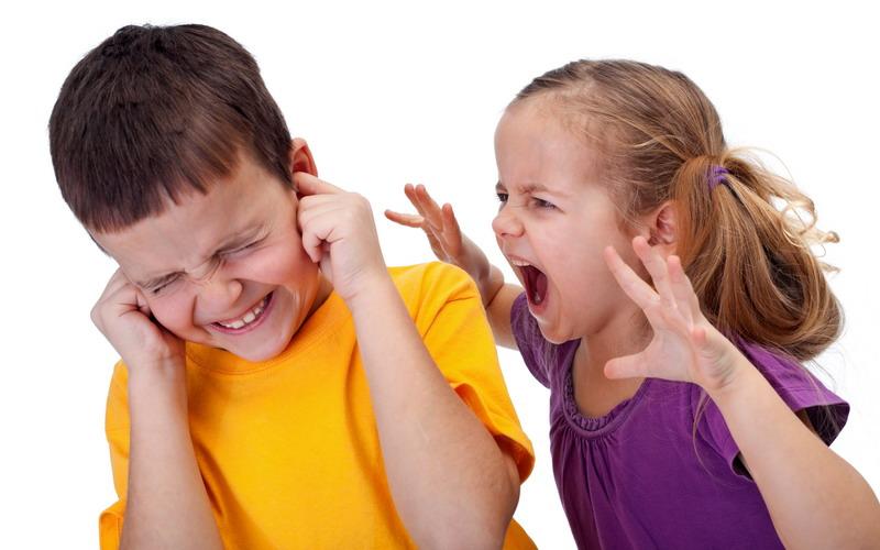 Adik dan Kakak Over Acting Cari Perhatian, Orangtua Harus Bagaimana?