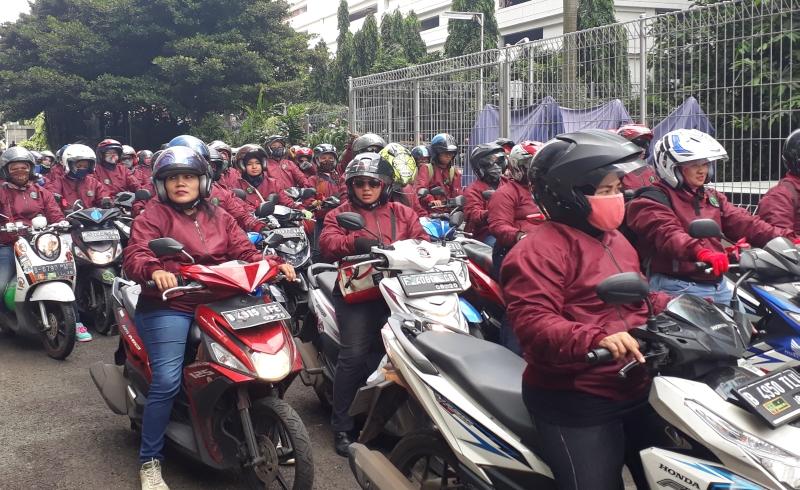 \   Hari Kartini, BEI Kedatangan 150 Lady Bikers\
