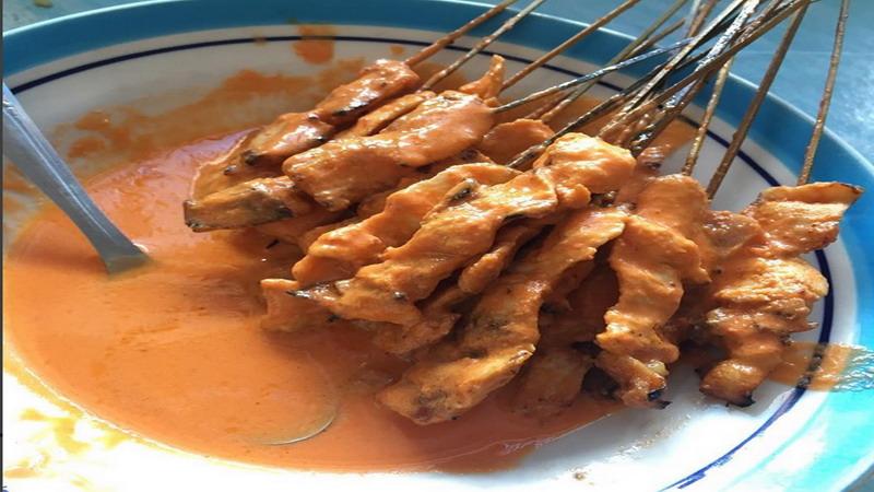 Bosan Sate Ayam Biasa, Long Weekend Bikin Sate Srepeh Khas Rembang Yuk