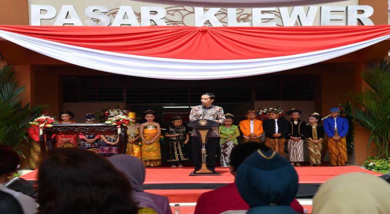 \Jokowi Ingin Pasar Klewer Tidak Kalah dari Mal\