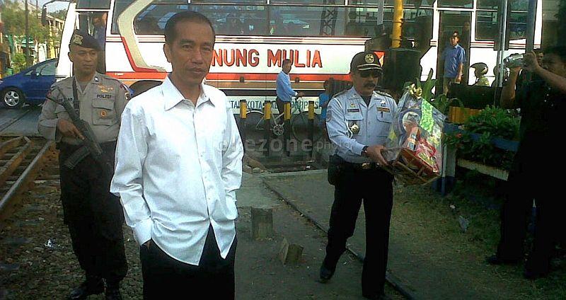 \BUSINESS HITS: Pulang Kampung Lagi, Presiden Jokowi Resmikan Pasar Klewer\