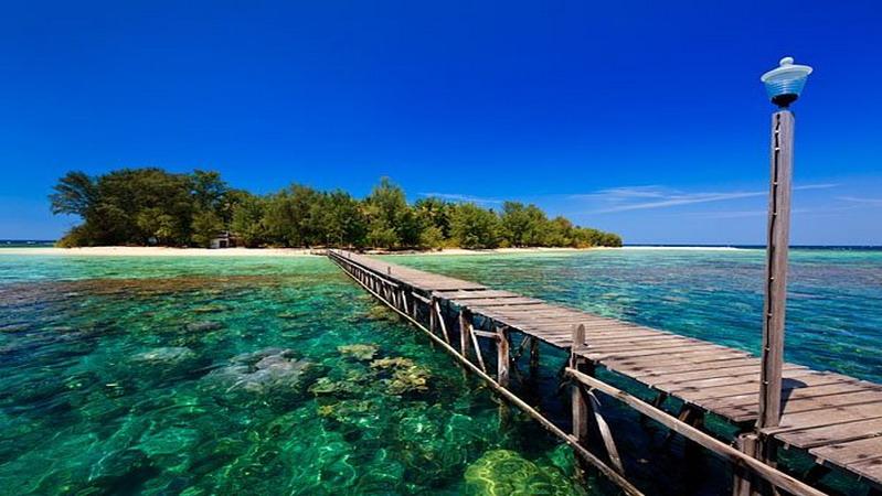 Pesona Cantik Pulau Panjang Secantik Kartini Di Jepara
