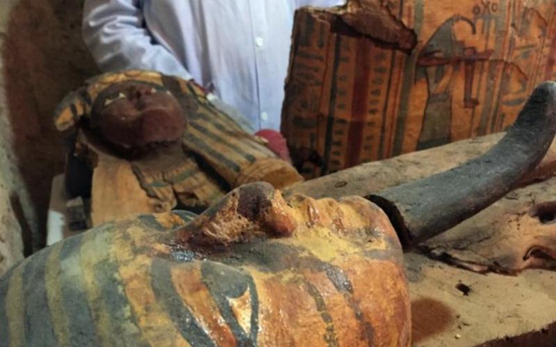 Wow, 8 Mumi Berusia 3.500 Tahun Telah Ditemukan di Mesir