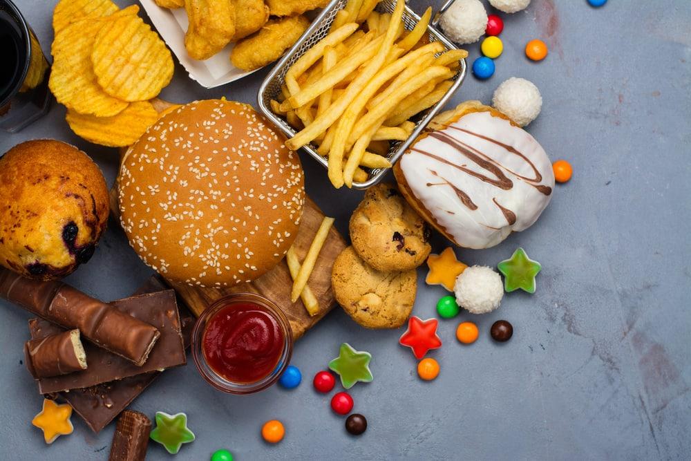 Catat! 10 Makanan Ini Paling Tidak Sehat untuk Jantung Anda