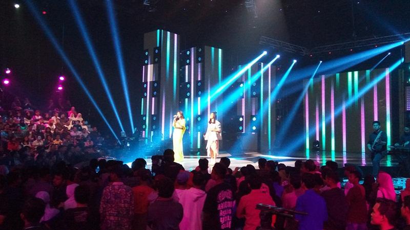 Raisa dan Isyana Konser (Foto: Vania/Okezone)