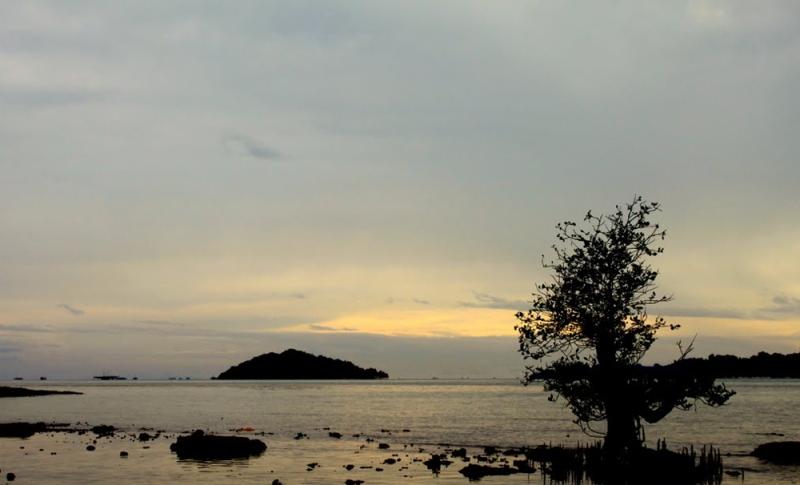 Berani Liburan ke Pulau Kubur di Lampung? Rencanakan dari Sekarang