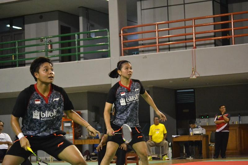 Greysia Polii/Apriani Rahayu di laga simulasi Piala Sudirman 2017 (Foto: Bagas Abdiel/Okezone)