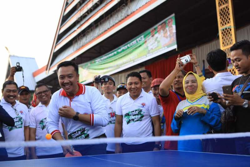 Menpora puji antusiasme masyarakat Kabupaten Bulukumba. (foto:Kemenpora)