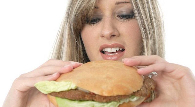 3 Alasan Mengapa Seseorang Selalu Merasa Lapar