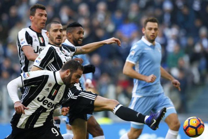 Juventus saat menang 2-0 di J-Stadium. (Foto: AFP/Marco Bertorello)