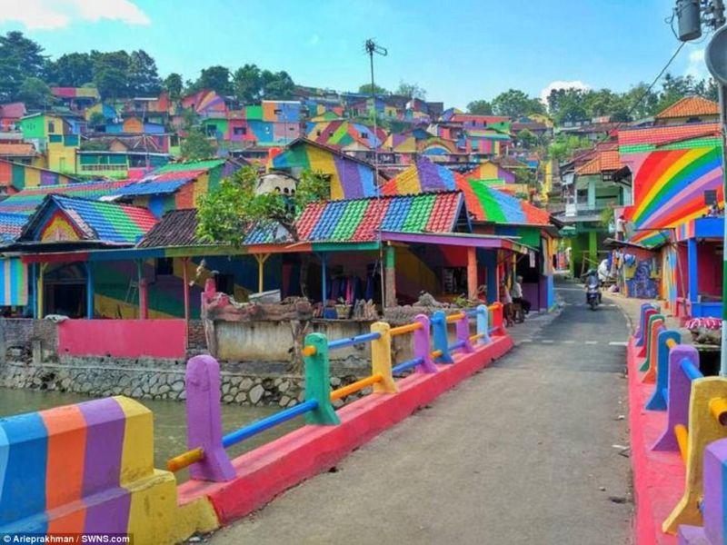 Kampung Pelangi Semarang Jadi Sorotan Media Asing