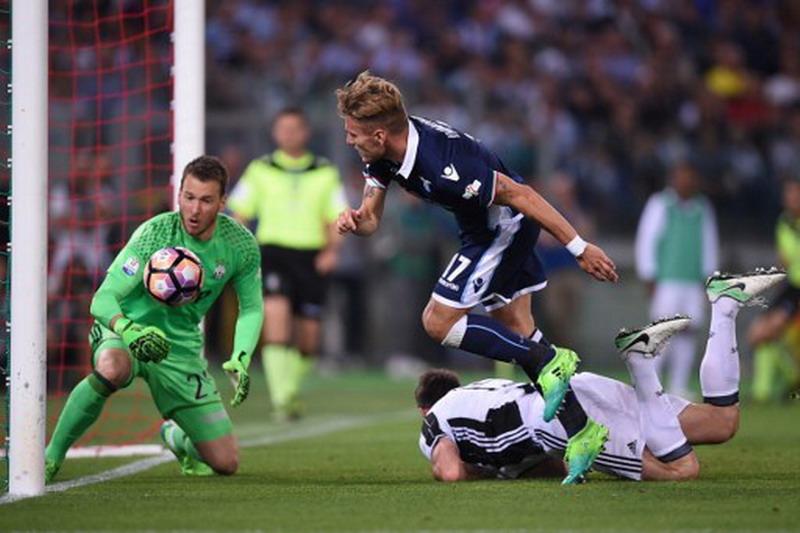 Neto tampil brilian di bawah mistar Juventus. (Foto: AFP/Fillipo Monteforte)
