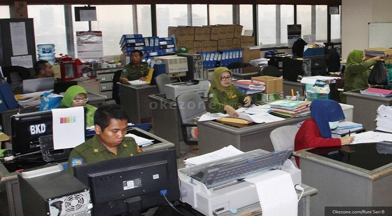 \ECONOMIC VIEWS: Kenaikan Pangkat PNS hingga Orang Terkaya Indonesia Kehilangan Rp14 Triliun\