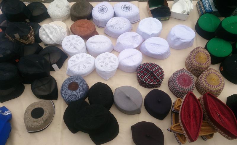 \INSPIRASI BISNIS: Peci, Produk Rumahan yang Banjir Order saat Ramadan\