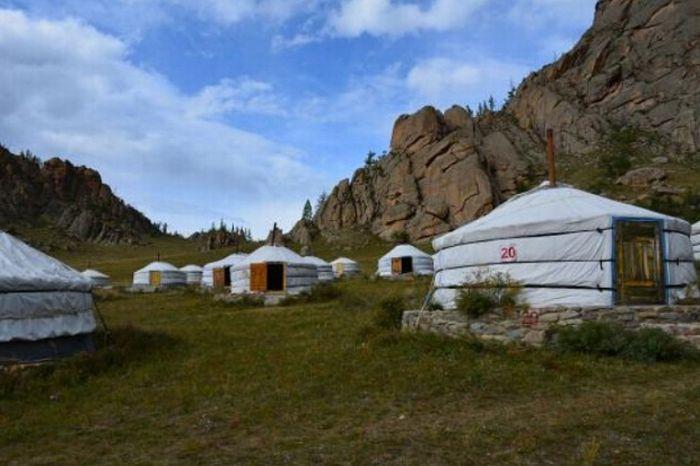 Uniknya Penginapan di Mongolia, Berkemah di Ruang Terbuka