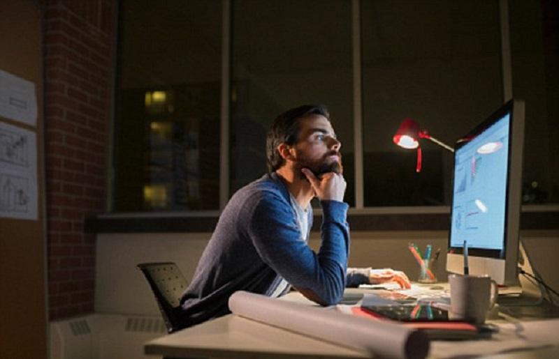 Pria yang Bekerja Shift Cenderung Memiliki Masalah Kesuburan