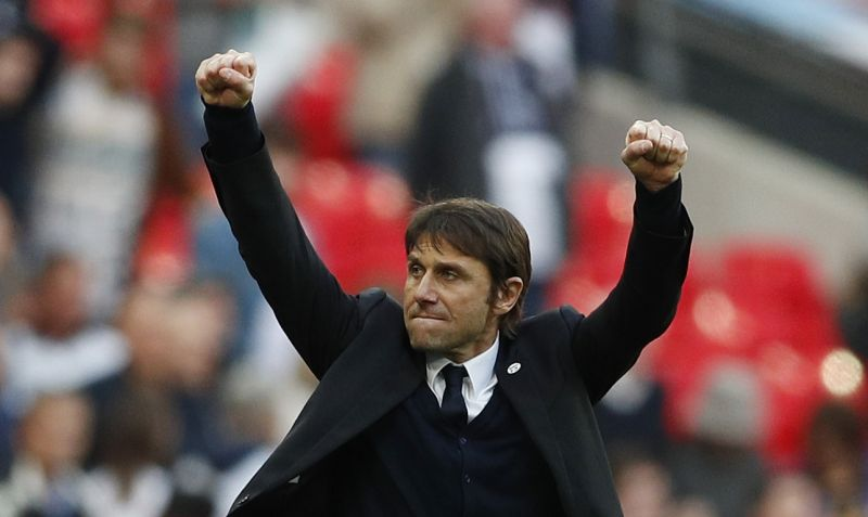 Pelatih Chelsea, Antonio Conte (Foto: Reuters / John Sibley)