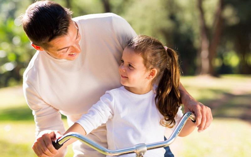 Hai Ayah, Ternyata Asupan Vitamin D Anda Akan Memengaruhi Pertumbuhan Anak Loh!