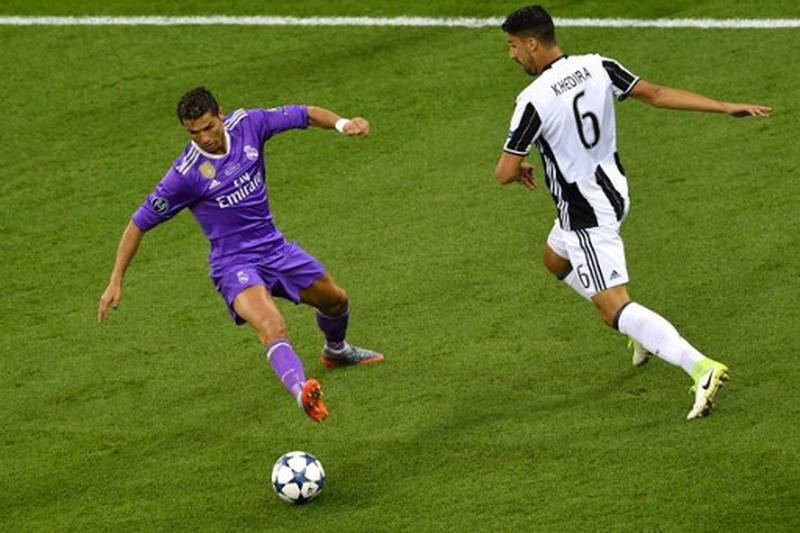 Khedira sebut Juventus akan tampil lebih kuat musim depan. (Foto: AFP/Ben Stansall)