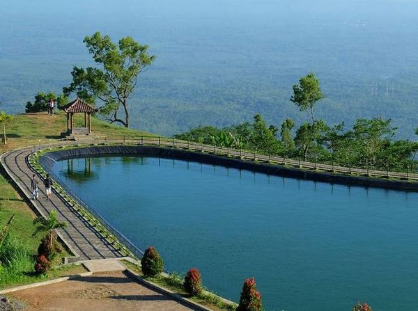 SHARE LOC: Embung Batara Sriten Wisata Baru di Puncak Gunung Kidul