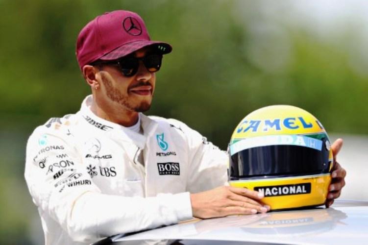 Pembalap Mercedes, Lewis Hamilton (Foto: AFP)