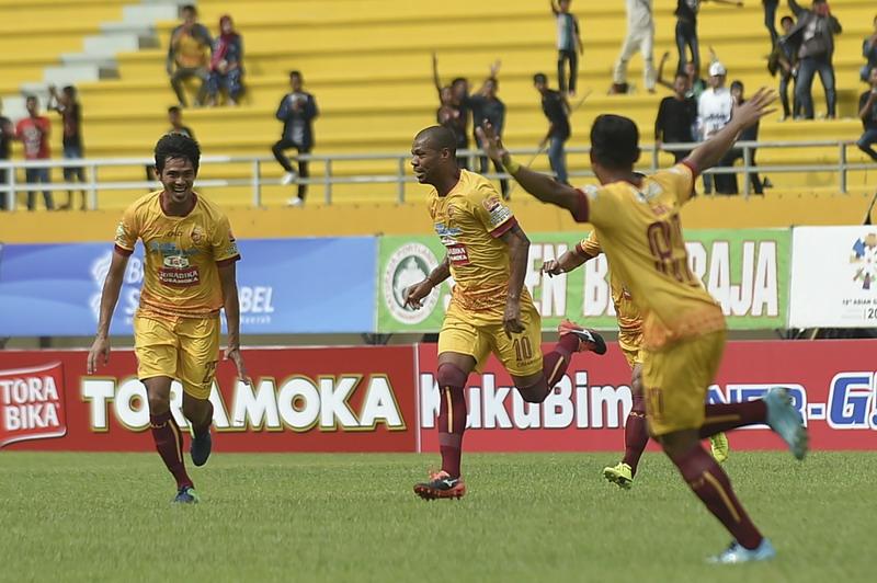 Skuad Sriwijaya FC saat melawan Borneo. (Foto: ANTARA/Nova Wahyudi)