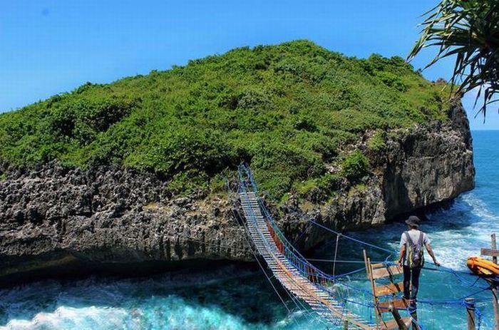 SHARE LOC: Jembatan Goyang Pulau Kalong Yogyakarta yang Bikin Nagih
