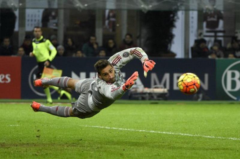 Donnarumma tolak perpanjang kontrak. (Foto: AFP/Olivier Morin)