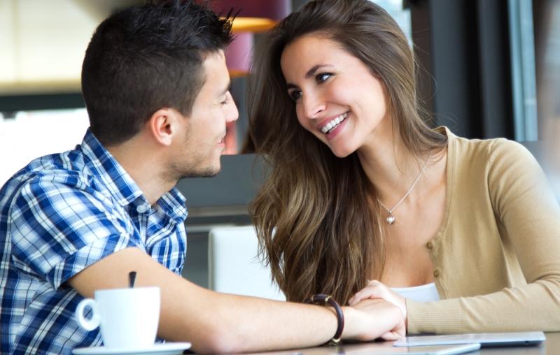 Ini Sederet Keuntungan Menikah dengan Pria yang Lebih Muda