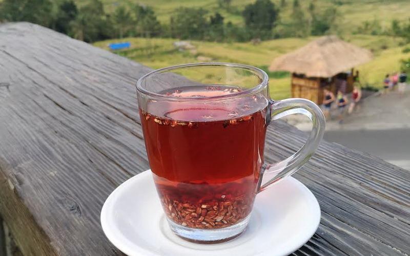 Seruput Teh Beras Merah, Minuman Unik Khas Jatiluwih Bali