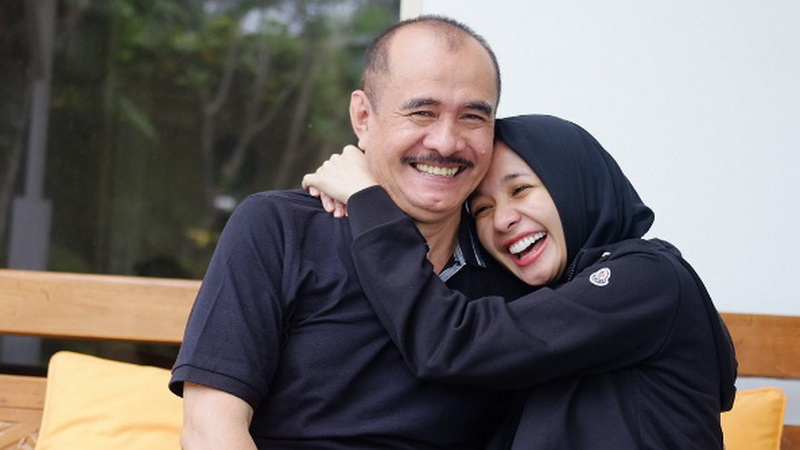 Laudya Cynthia Bella dan Ayah (Foto: Instagram)