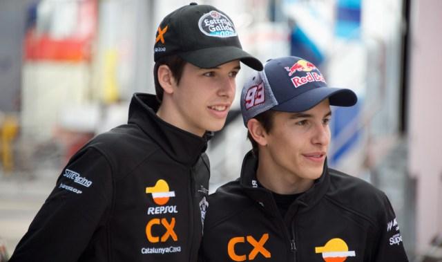 Alex Marquez dan Marc Marquez (Foto: AFP)