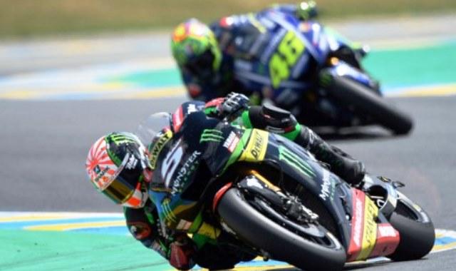 Johann Zarco dan Valentino Rossi (Foto: AFP)