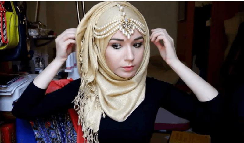 5 Tips Merawat Jilbab agar Tidak Luntur dan Melar