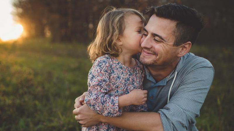 Para Ayah Jangan Ajak Anak Main ke Mal Terus! Sekali-kali Coba Piknik