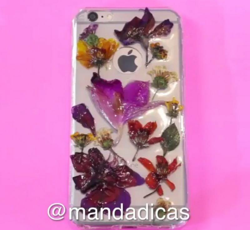 Casing Ponsel Cantik dari Bunga-Bunga Asli Ternyata Bisa Dibikin Sendiri