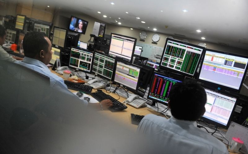 \BUSINESS HITS: Melambung Tinggi, Bursa Suspensi Saham Bank Agris\