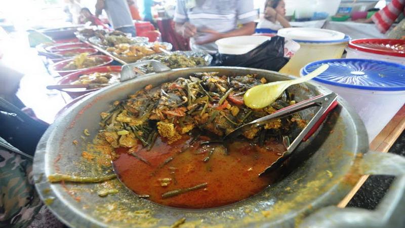FOOD STORY: Nasi Kapau dengan Pangek Kuning Nila, Kelezatan Khas Minangkabau yang Melegenda